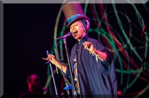 ERYKAH BADU TO HOST OF THE SOUL TRAIN AWARDS 2015 BET